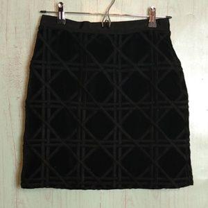 Vineyard Vines black skirt sz 2